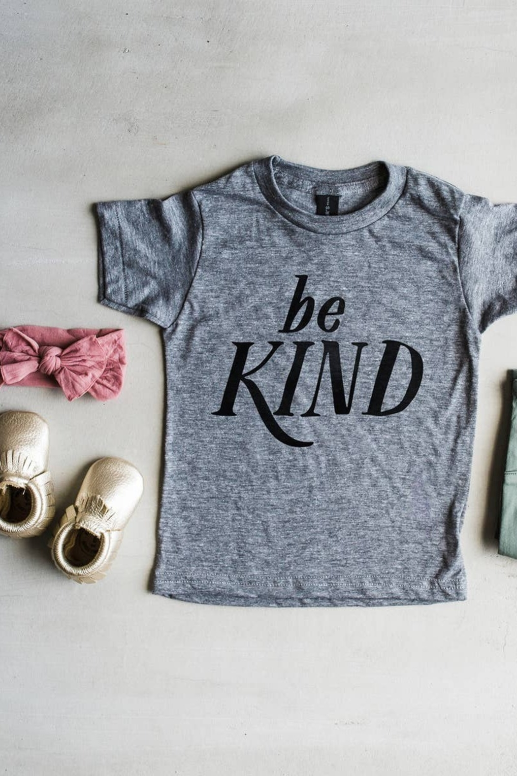 Oyster's Pearl Be Kind Kids Tee - Front Full Image