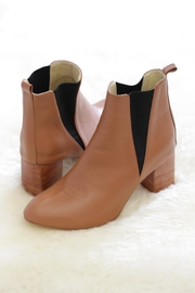 Be Mae Shoes Xander Leather Boots - Front cropped