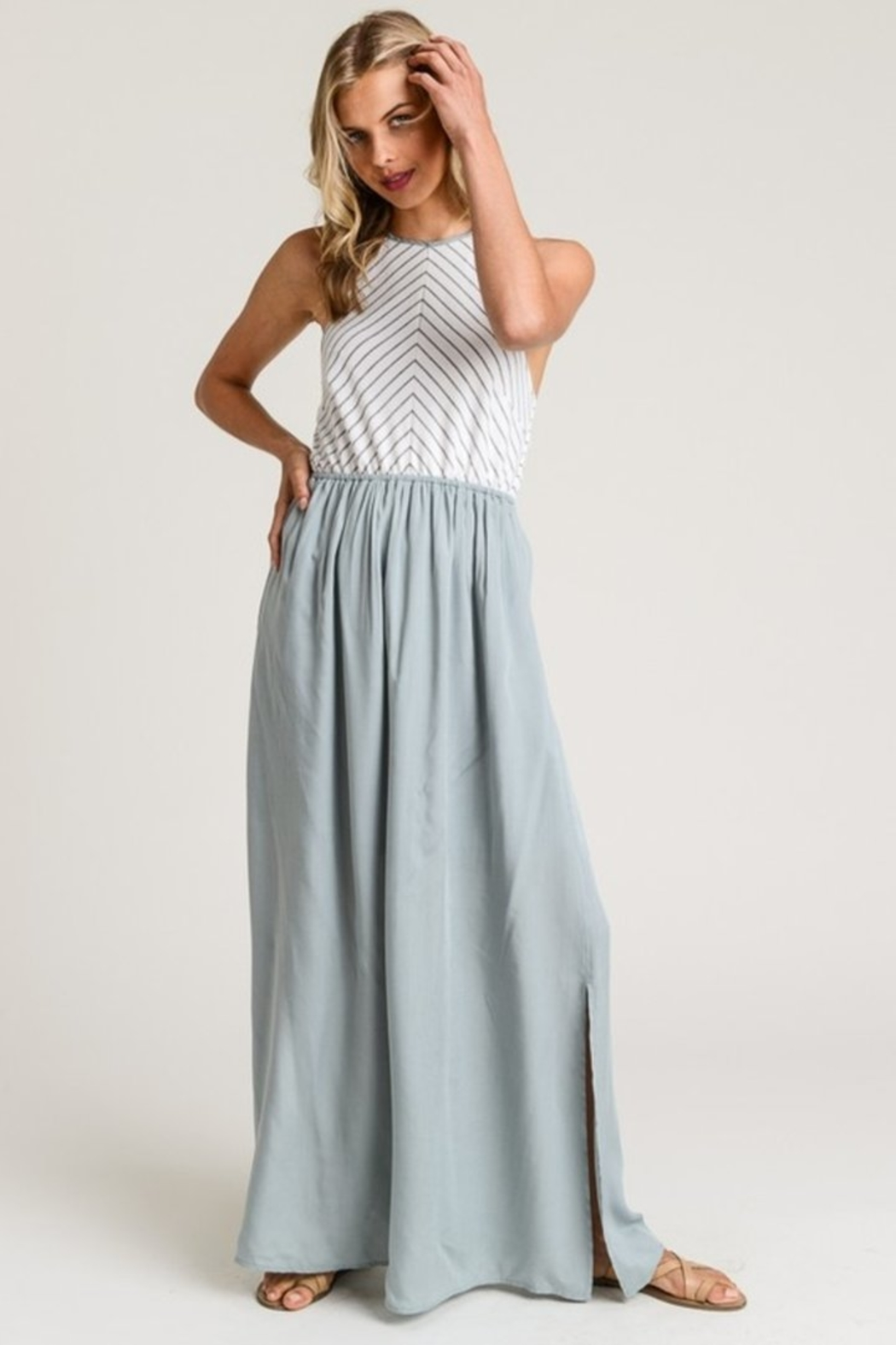 Hem & Thread Beach Romance dress - Front Cropped Image