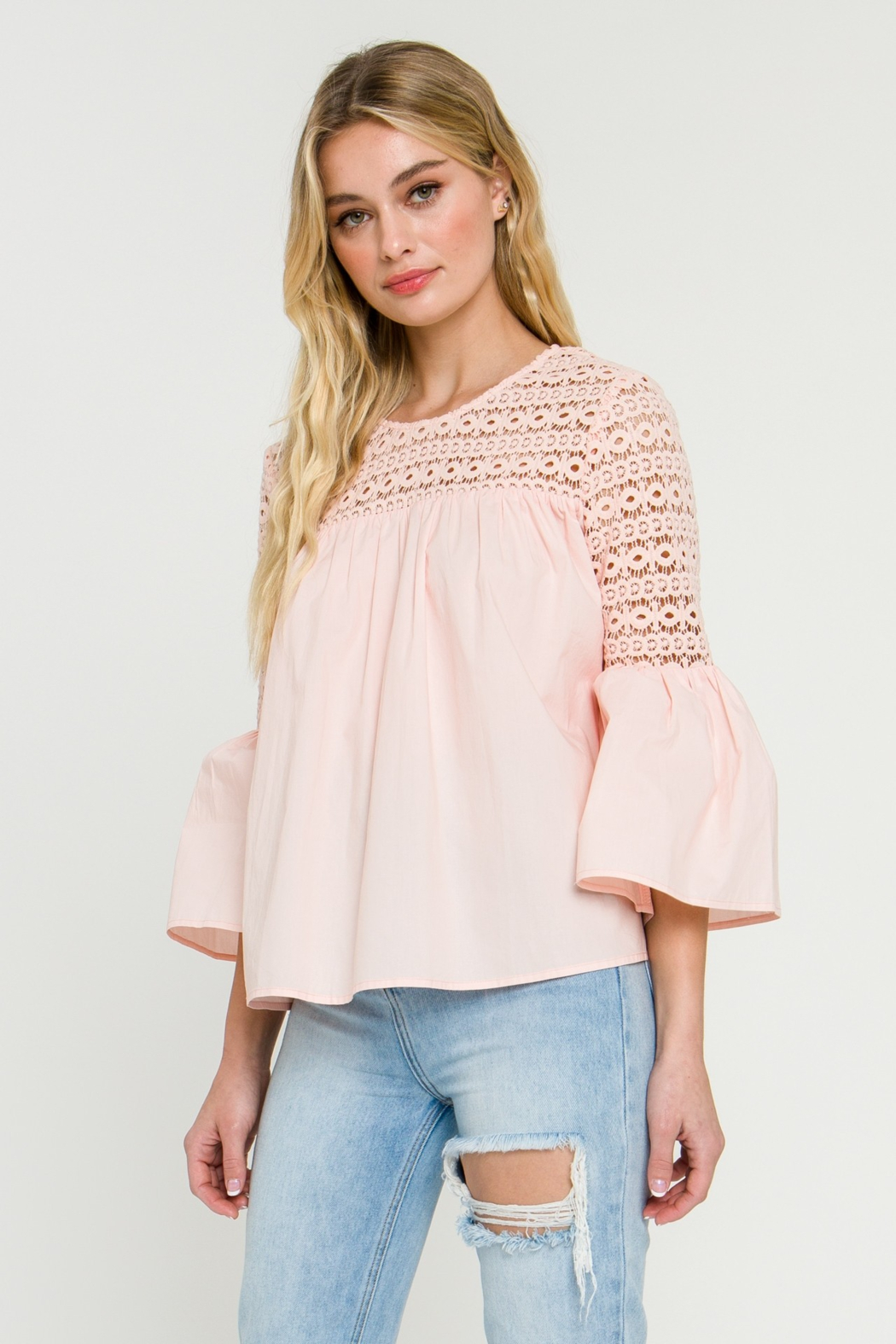 La Ven Bell Sleeve Blouse - Side Cropped Image