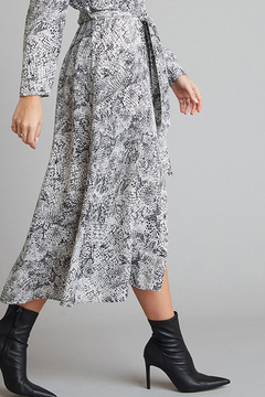 Bella Dahl  BELLA DAHL MAXI SHIRTDRESS - Alternate List Image