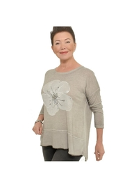 Bella Amore Soft Greyflower Top - Product Mini Image
