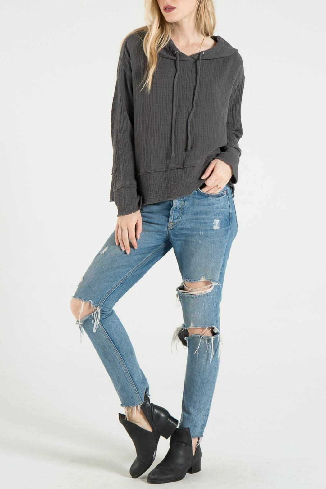Bella Dahl Frayed Hem Hoodie - Side Cropped Image