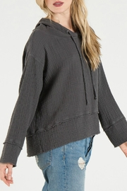 Bella Dahl Frayed Hem Hoodie - Front full body