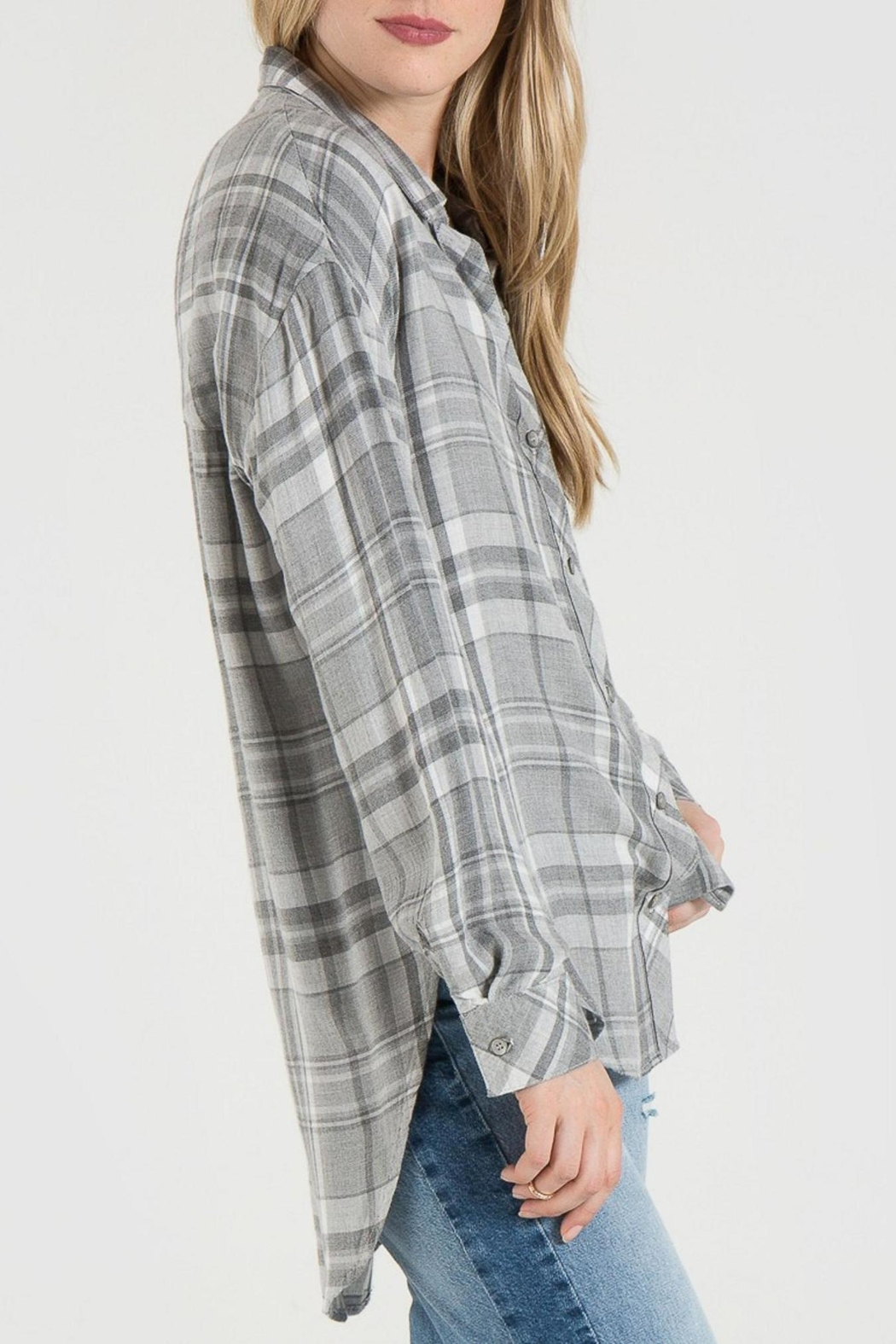 Bella Dahl Grey Plaid Shirt - Side Cropped Image