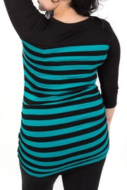 Bellybedaine Momtogo Maternity Top - Side cropped