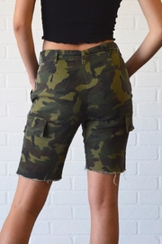 Better Be Belted Bermuda Shorts - Side cropped