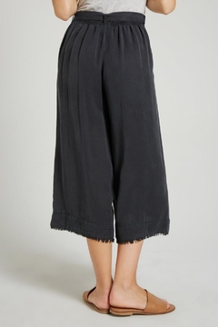 Bella Dahl Belted Crop Pant - Alternate List Image