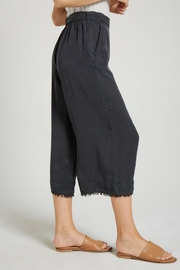 Bella Dahl Belted Crop Pant - Front full body
