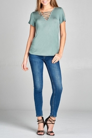 Active Basic Beth Basic Tee - Side cropped