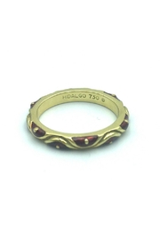 Beth Friedman Hidalgo 18 Karat Yellow Gold And Red Enamel Stackable Ring - Front cropped