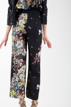 BEULAH STYLE Floral Pants - Alternate List Image