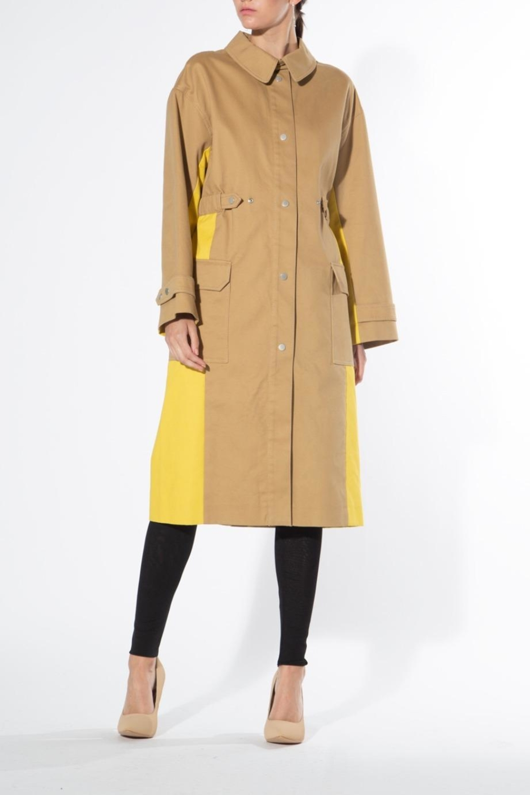 BEULAH STYLE Two Tone Trench Coat - Main Image