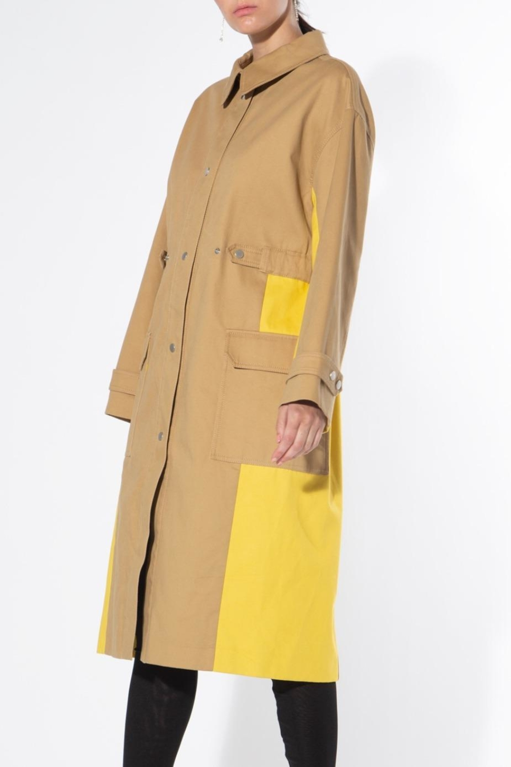 BEULAH STYLE Two Tone Trench Coat - Side Cropped Image