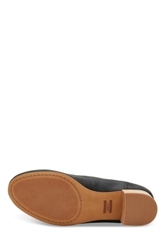 TOMS Beverly Leather Pumps - Alternate List Image
