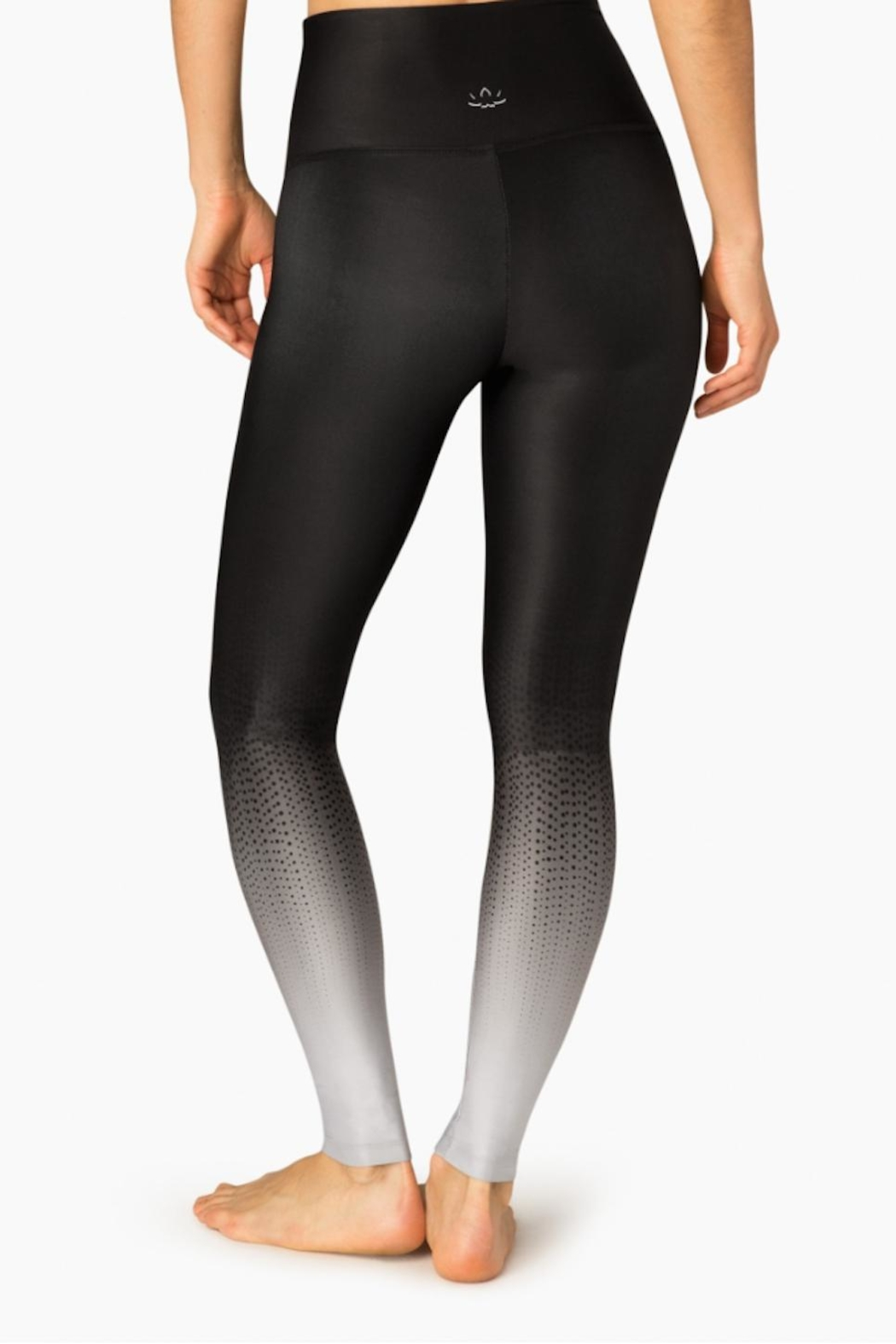 Beyond Yoga Ombre Black Leggings - Side Cropped Image