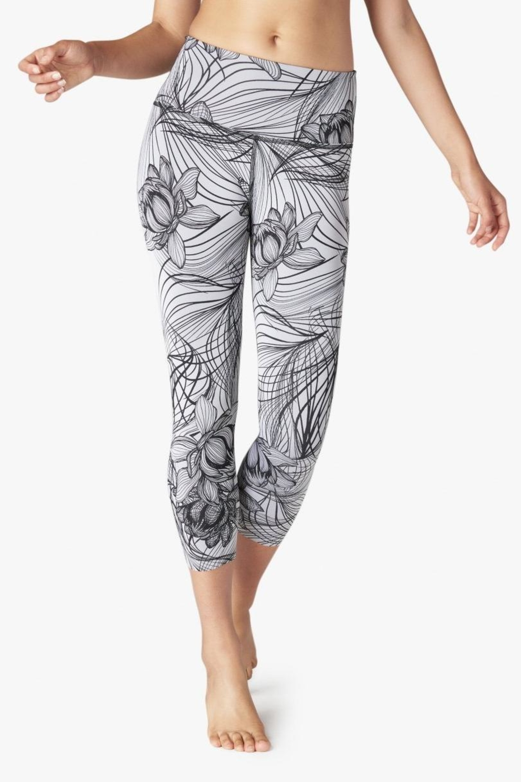 Beyond Yoga Reversible High Waisted Capri - Front Cropped Image