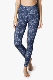 Beyond Yoga Ripple Effect Legging - Front cropped