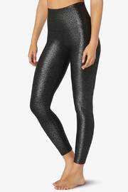Beyond Yoga Twinkle High-Waisted Midi - Front cropped
