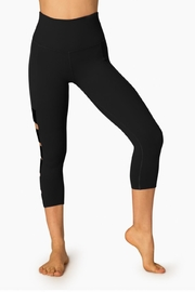 Beyond Yoga Wide Band Capri - Side cropped