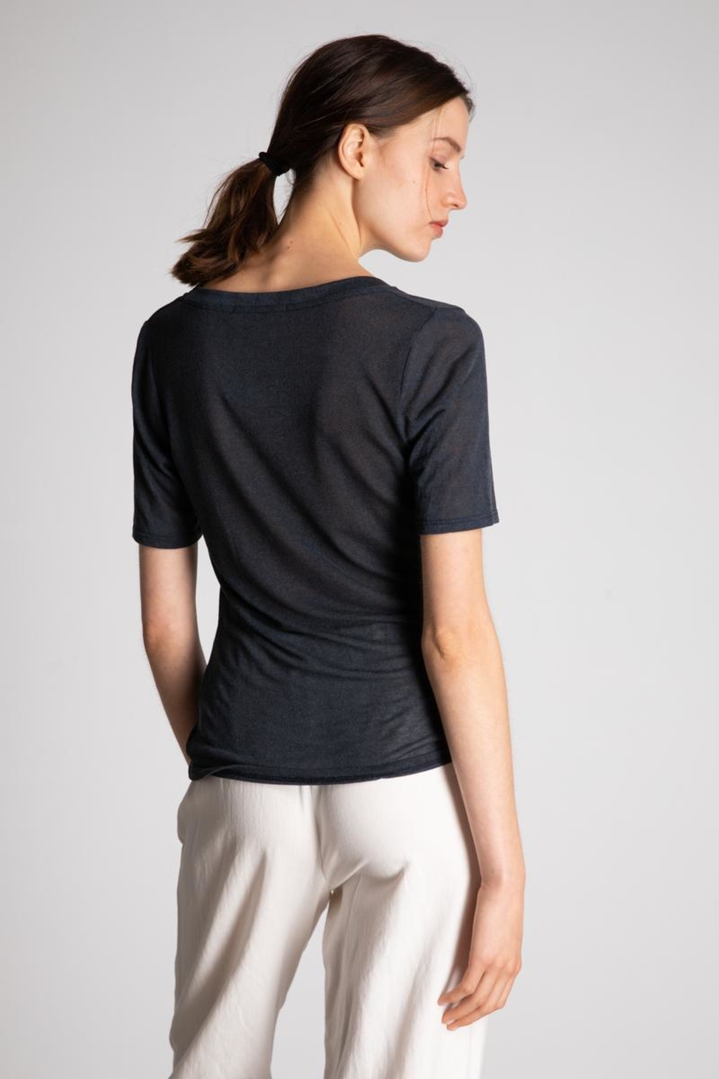 Bio Wide Uneck Tee - Side Cropped Image