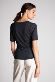 Bio Wide Uneck Tee - Side cropped