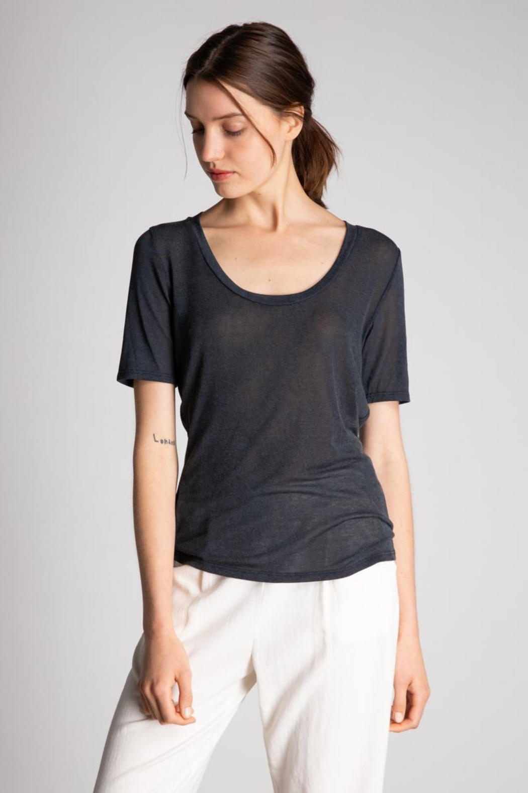 Bio Wide Uneck Tee - Front Cropped Image
