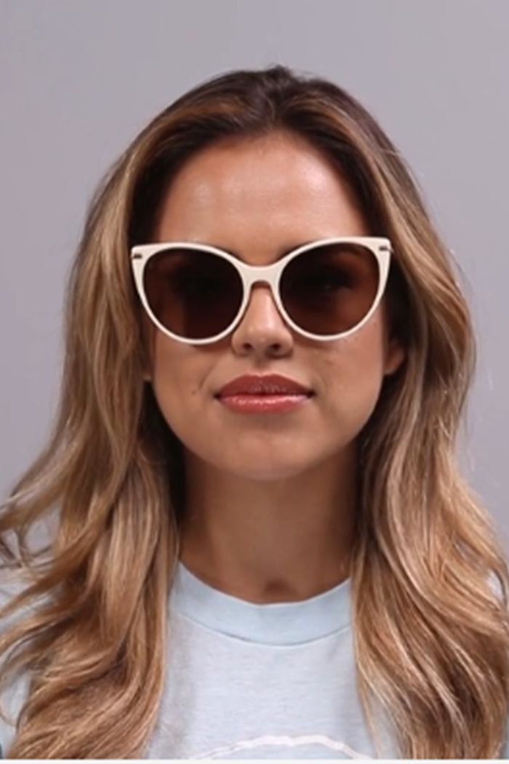 RAEN Birch Sunglasses - Side Cropped Image