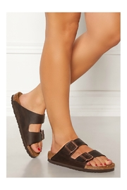 Birkenstock BIRKENSTOCK Arizona Regular Width in Habana - Back cropped