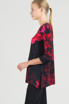 Clara Sunwoo Black and fuchsia red peony tunic - Alternate List Image