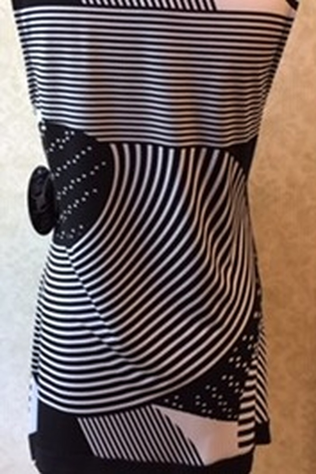 Libra Black and white abstract print tunic top - Front Full Image