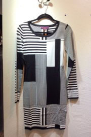 Sweet Sinammon Black and White Geometric Pattern Knit Dress - Front cropped