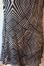 casual studio Black and white safari print top - Front full body