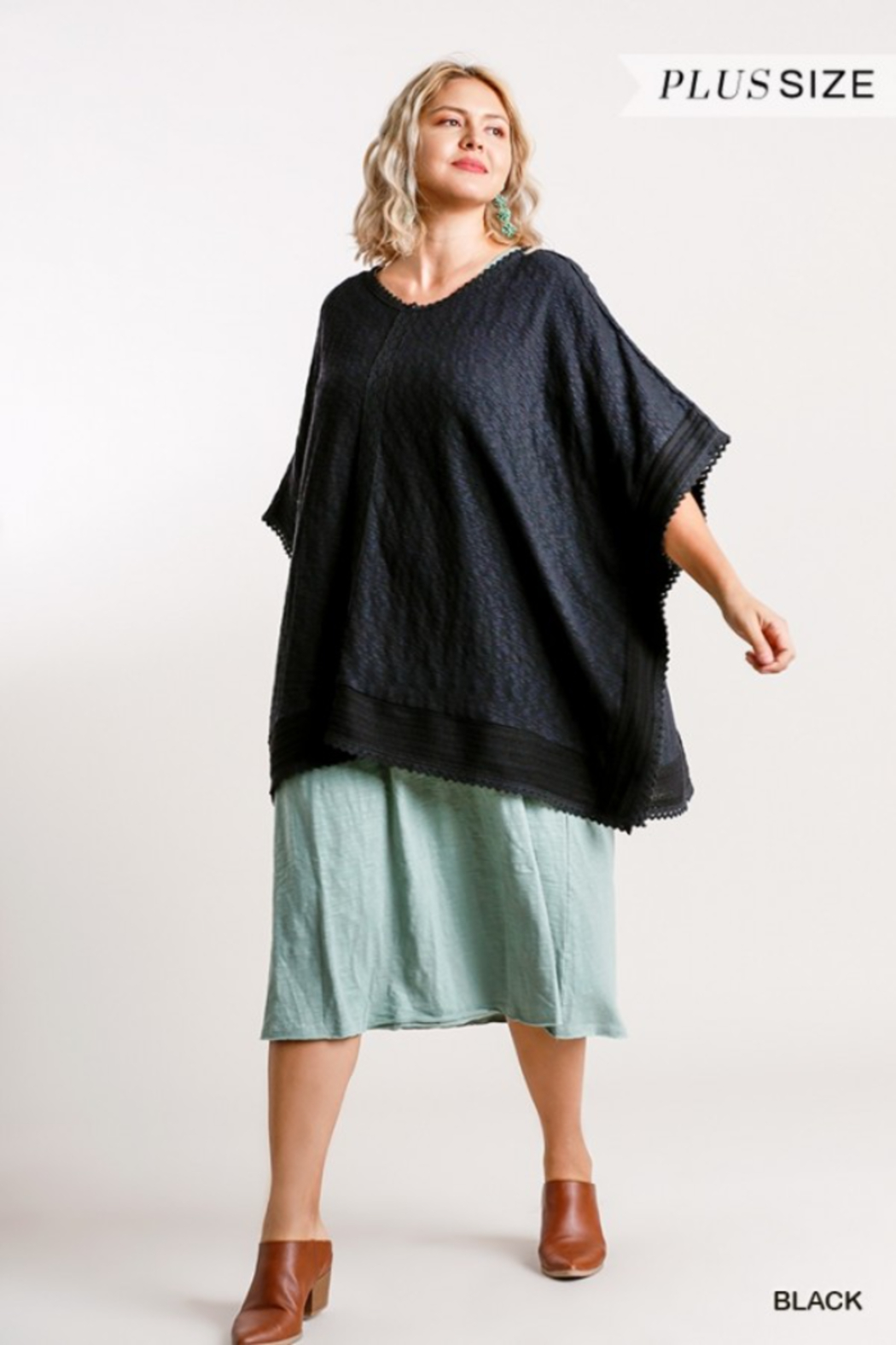Umgee USA Black Cotton Plus Kaftan - Front Cropped Image