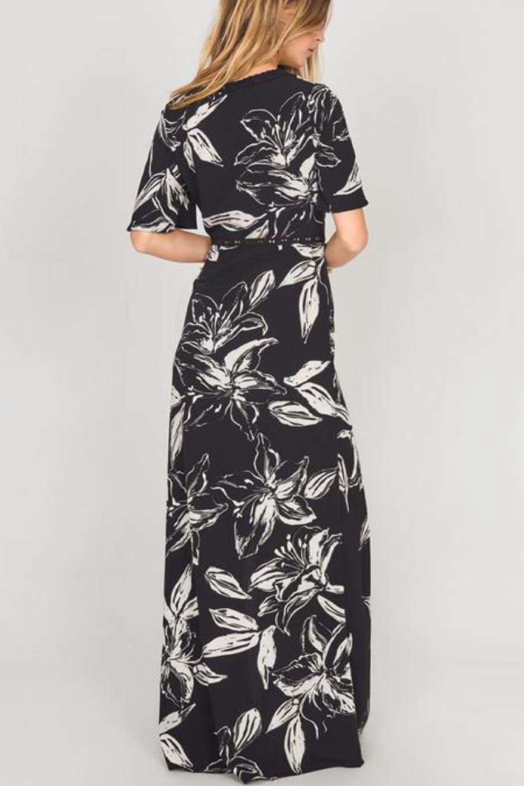 AMUSE SOCIETY Black Floral Maxi - Side Cropped Image