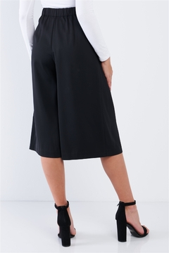 Comme Black High Waisted Front Center Pleated Wide Leg Gaucho Pants - Alternate List Image
