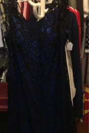 Erse Breeze Black Lace Over a Royal Blue Lining Evening Gown Size 16 - Product Mini Image
