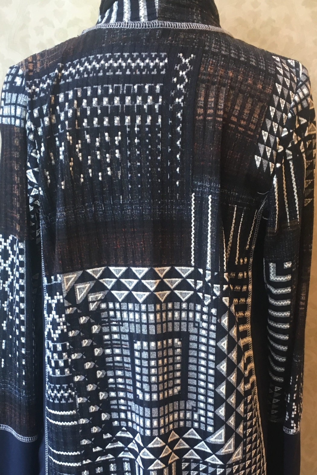 Artex Black multicolored abstract print cardigan - Front Full Image