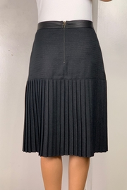 Mossaic Black Pleated Faux Leather Trim Skirt 25