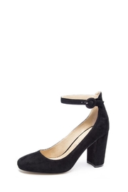 Chinese Laundry Black Veronika Heel - Front cropped