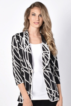 Frank Lyman Black White Cover-Up 216456 - Product List Image