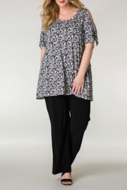 Colletta Black & White Floral Top - Product Mini Image