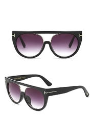 Madison Avenue Accessories Blackgld She Sunnies - Product Mini Image