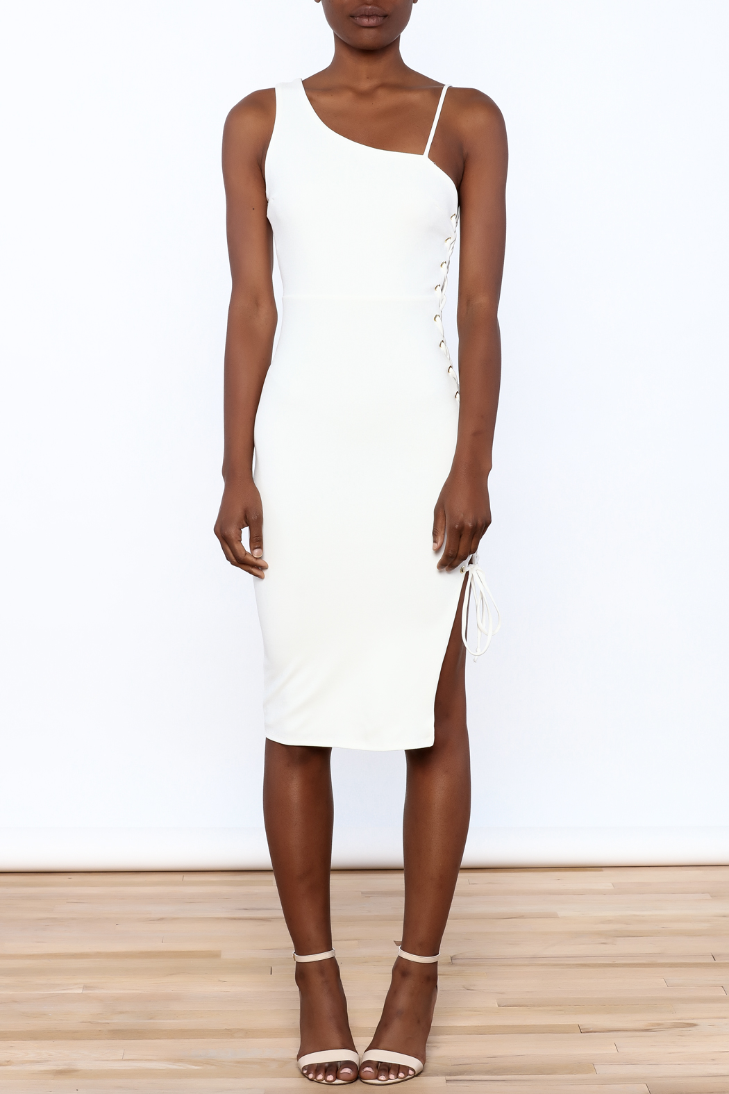 BLANC Classy Bodycon Sleeveless Dress - Front Cropped Image