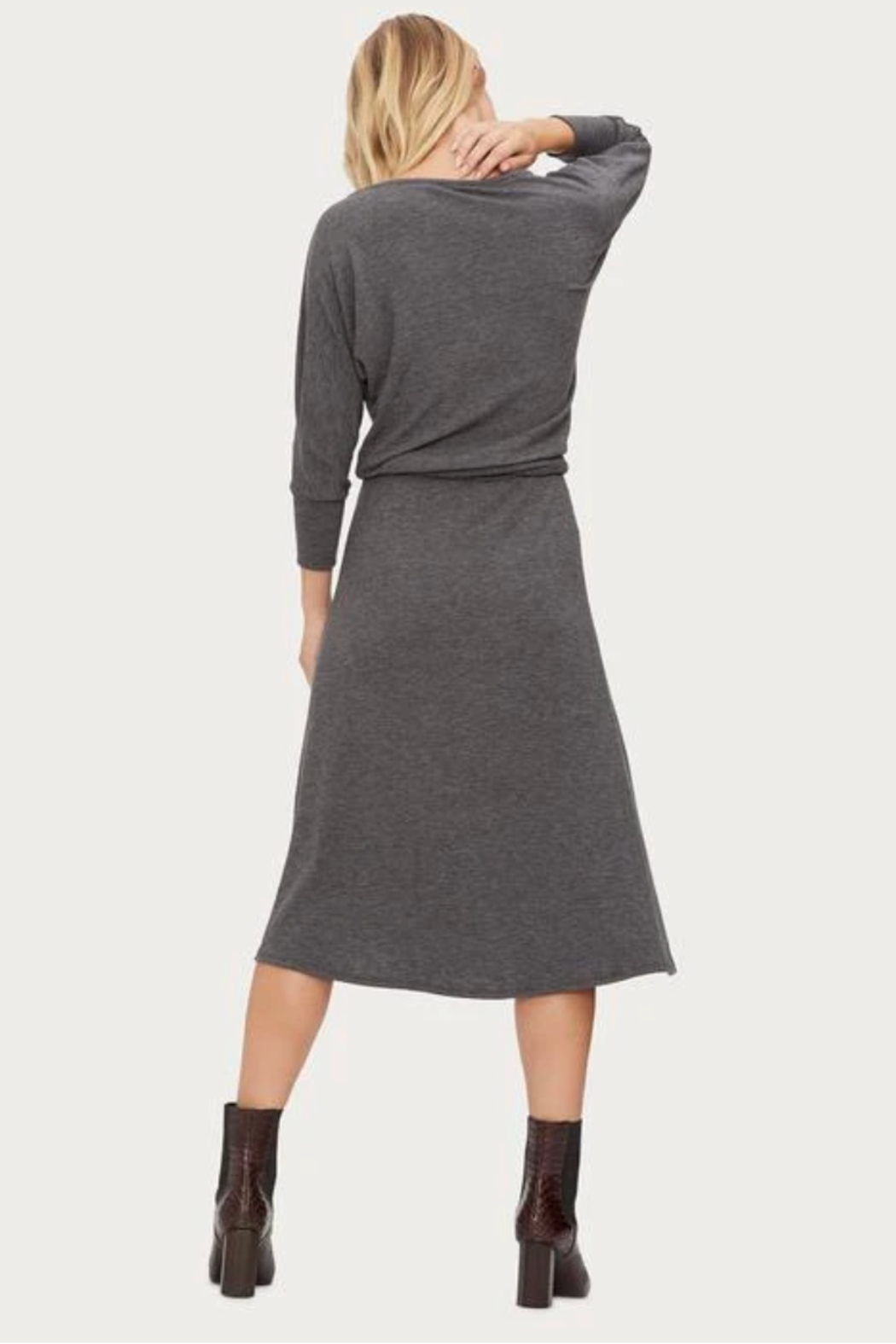 Micael Stars Blanche Boat Neck Midi Dress - Side Cropped Image