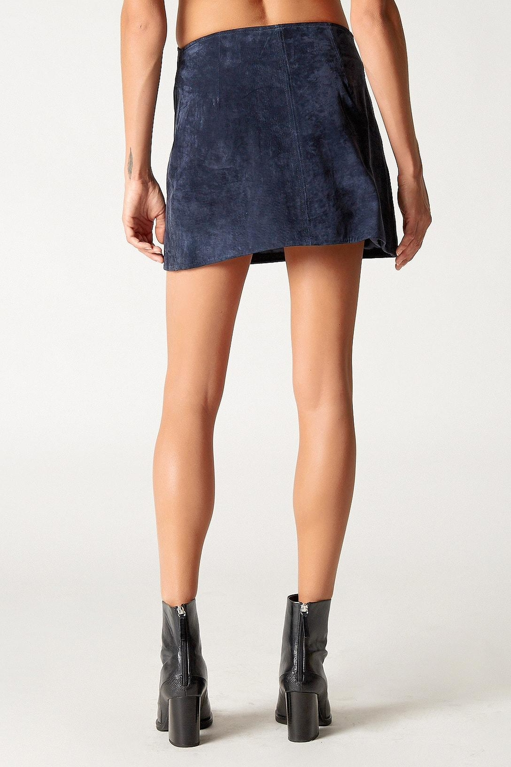 Blank NYC Blue Valentine Skirt - Side Cropped Image