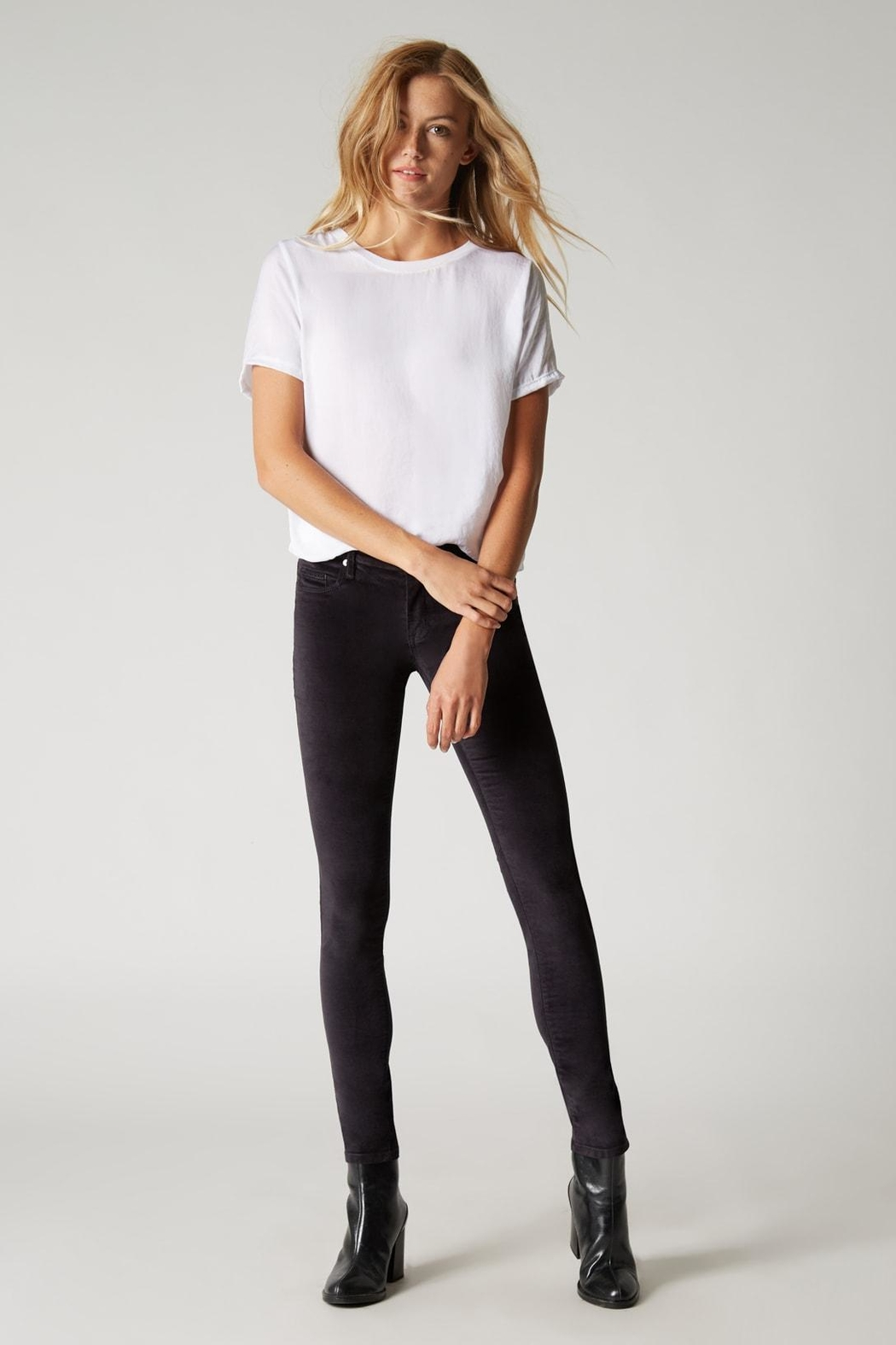 Blank NYC Moonglow Pant - Back Cropped Image