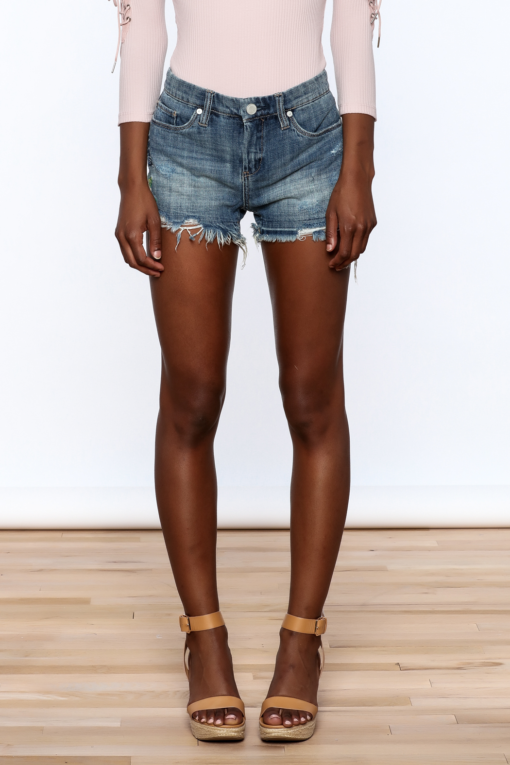 BlankNYC Embroidered Denim Shorts - Side Cropped Image