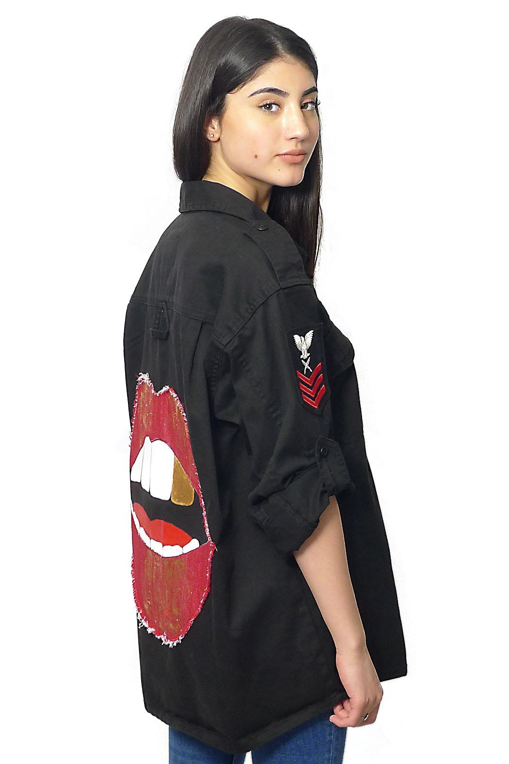 Gypsetters Blouse Lips - Front Cropped Image
