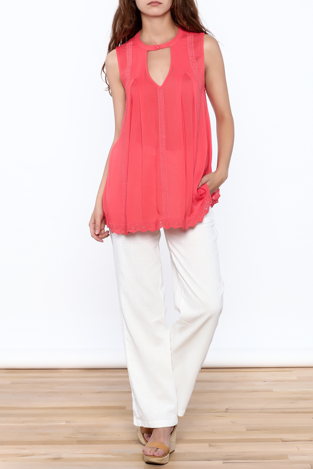 Blu Pepper Coral Sleeveless Top - Side Cropped Image